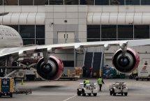 Samolot - parking w Modlinie